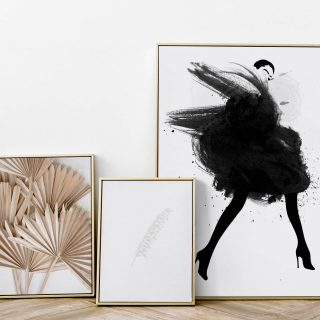 FLASH SALE ON ALL FRAMES. Use code : FLASH10 when checking out. Available in black, white and ashwood textured gallery frames.  Shipping internationaly 🌍 Situated in South Africa 🇿🇦  . . . Decorate your home this spring with new set of beautiful frames🌷🥂